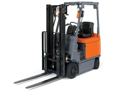 Les chariots élévateurs à contrepoids sont une solution pertinente pour les tâches au sein de l'entrepôt, comme à l'extérieur (image cédée par Toyota)