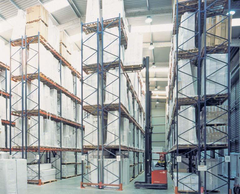 Rayonnages à palettes d'un prestataire logistique