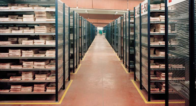Rayonnages pour le stockage d'archives