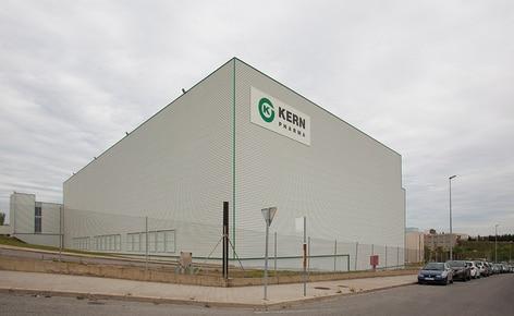 Mecalux a construit un nouvel entrepôt autoportant de 2000 m², 26 m de haut et 84 m de long