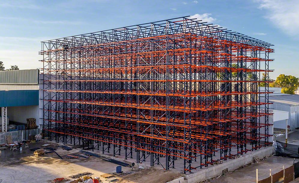 L'entrepôt autoportant exploite l'espace au maximum pour une capacité optimale
