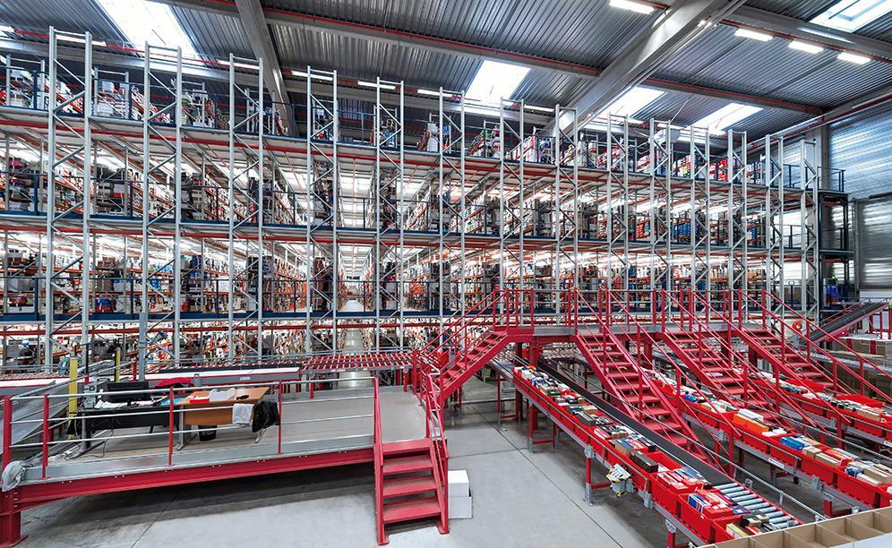 Mecalux a installé au sein de SPARTOO un ensemble de solutions logistiques permettant de rendre possible son évolution