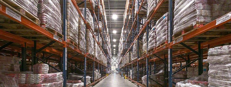 Produits de grande consommation dans le nouvel entrepôt de César Iglesias
