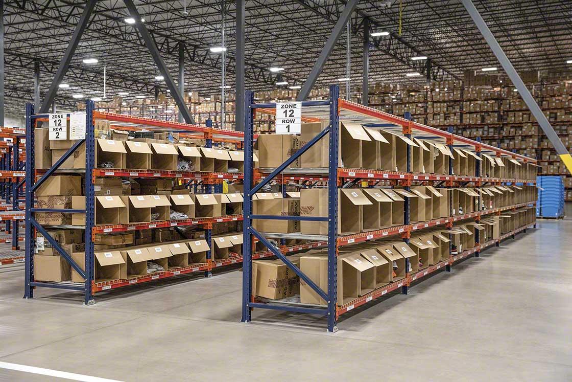 Le nouvel entrepôt d'Interlake Mecalux pour Adidas ouvrira un canal de vente D2C dans les locaux de l'entreprise